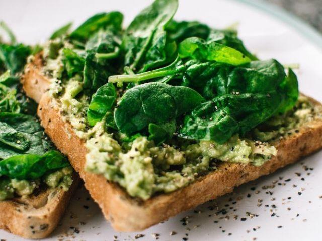 Proteínas vegetales: explora tu lado más verde y saludable.